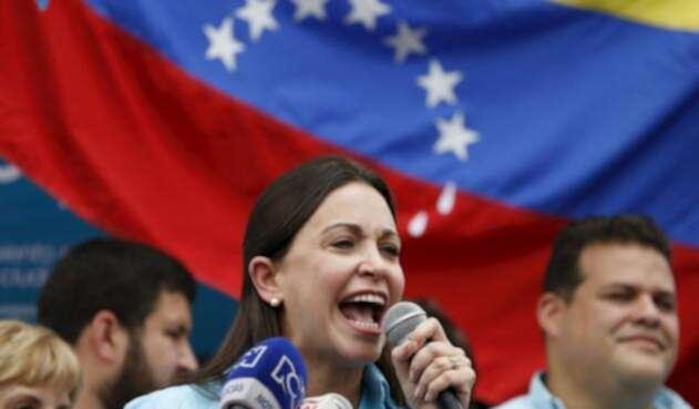 María Corina Machado pide que Parlamento asuma Gobierno de Venezuela en enero