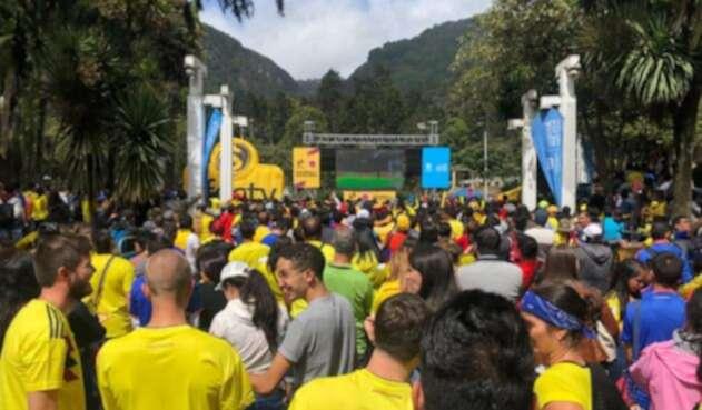 Pantalla gigante parque Bogotá en el partido de la Selección Colombia