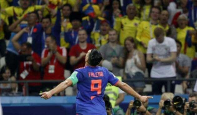 Radamel Falcao celebrando su prime gol en un Mundial
