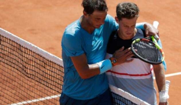 Rafa Nadal y Diego Schartzman al término del partido de Roland Garros, en París
