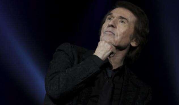 El cantante español Raphael