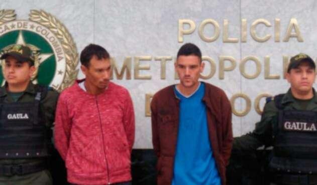 Los sujetos capturados por el hurto del vehículo de un amigo para luego extorsionarlo