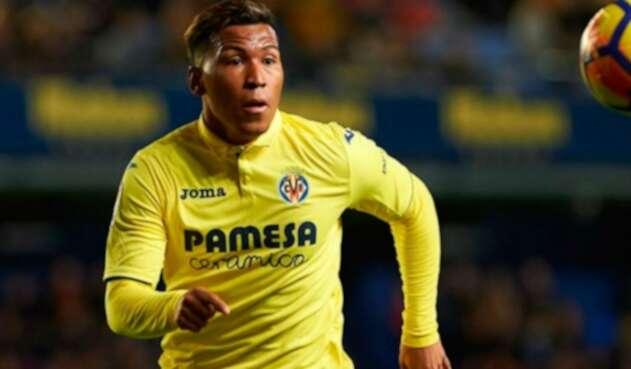 Roger Martínez jugando para el Villarreal