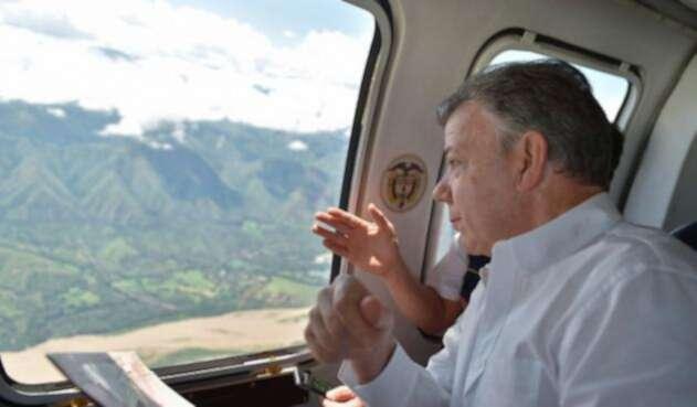 El presidente Santos sobrevolando la zona de Hidroituango