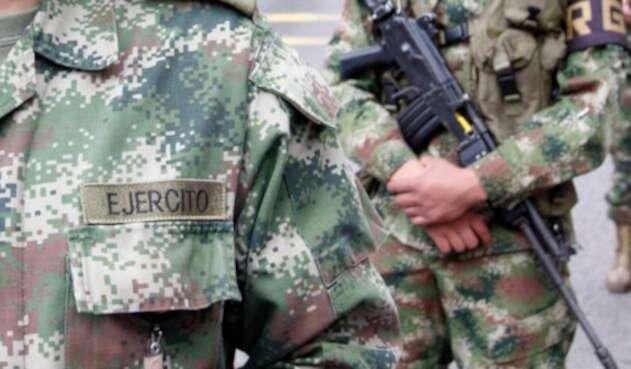El general Jorge Hoyos desmintió el hecho