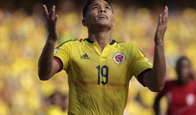 Teófilo Gutiérrez, delantero excluido de la Selección Colombia para Rusia 2018 pero está en el álbum de Panini