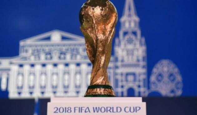 La Copa Mundial de la FIFA será entregada este domingo al ganador del juego entre Francia y Croacia