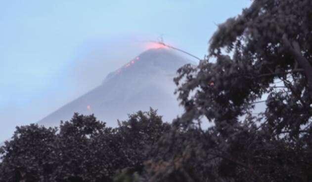 Aunque el coloso ya bajó la actividad, no se descarta que pueda reactivar la erupción.