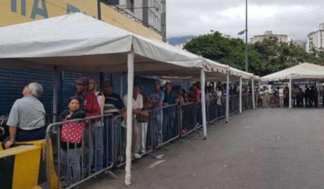 Colombianos en Venezuela votan