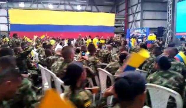 Soldados del batallón de Tolemaida celebraron el triunfo de la Selección Colombia.
