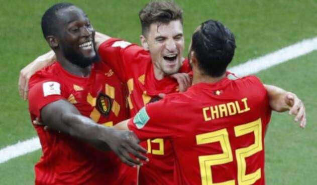 Lukaku, Chadli y Meunier celebrando el gol de la victoria ante Japón en Rusia-2018.