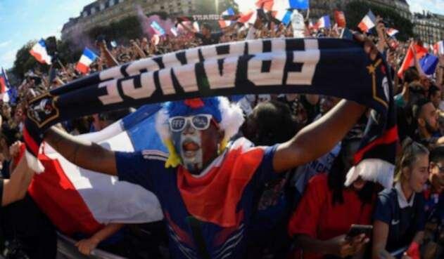 Franceses gritan consignas en 'zona de aficionados' tras quedar campeones de la cita orbital