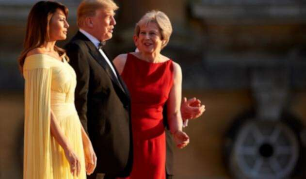 Melania Trump, Donald Trump y Theresa May en Londres.