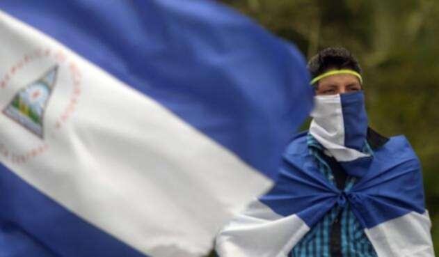 Almagro inicia la aplicación de la Carta Democrática de la OEA a Nicaragua.