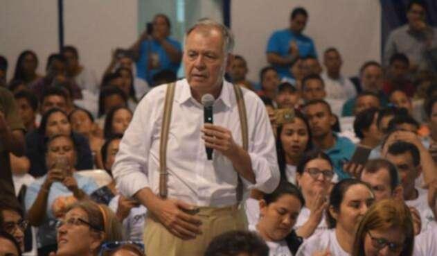 El exprocurador Alejandro Ordóñez, en medio de polémica por su designación como embajador