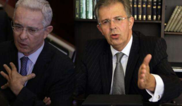 Álvaro Uribe Vélez (izq) y Jaime Arrubla (der)