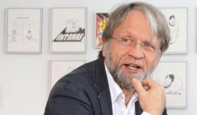 El exalcalde Antanas Mockus salvó su curul ante el Consejo Nacional Electoral