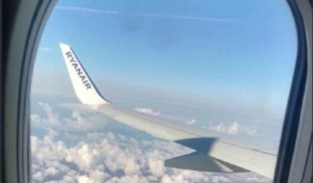 El hombre es un pasajero del vuelo 6509 de Fuzhou Airlines.