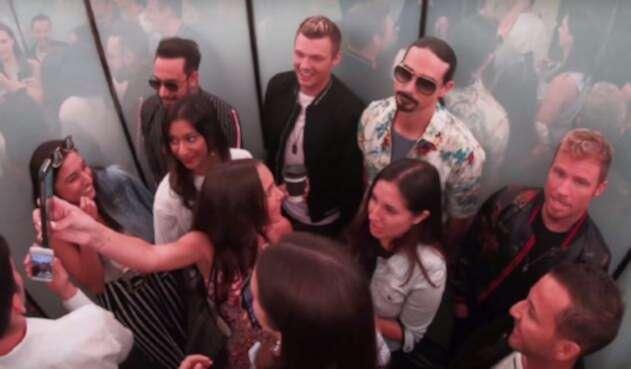 Backstreet Boys sorprenden a fans con concierto en un ascensor