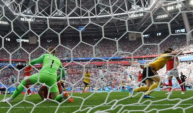 El momento del gol de Thomas Meunier en el Bélgica vs Holanda, en el San Petersburg Stadium