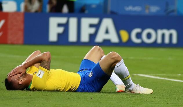 Todo Brasil llora la eliminación de la selección en cuartos de final