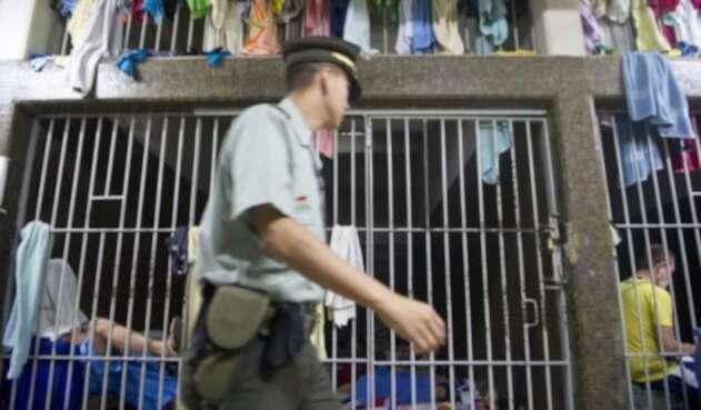 Las cárceles en Colombia presentan hacinamientos.