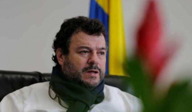 Carlos Alfonso Negret, defensor del pueblo