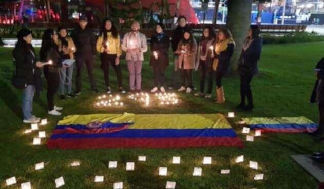 Velatón en Perth, Australia, en protesta por los asesinatos de líderes sociales en Colombia