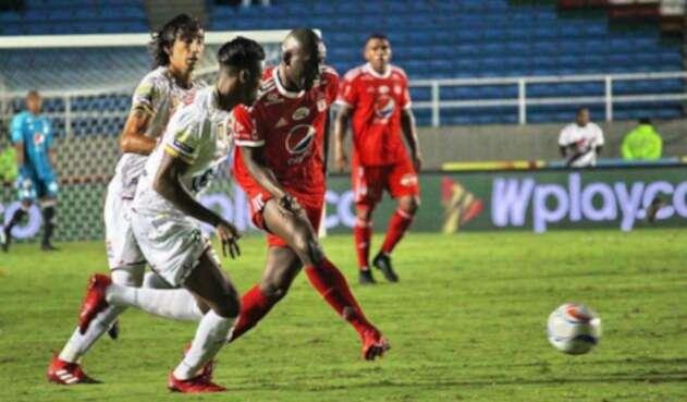 Cristian Martínez Borja ya no estará con América, pero Rafael Robayo sí con el Deportes Tolima
