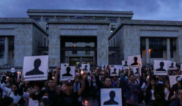 Velatón por asesinatos de los líderes sociales en Bogotá