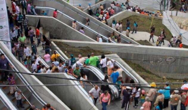 Las escaleras eléctricas de la Comuna 13 de Medellín