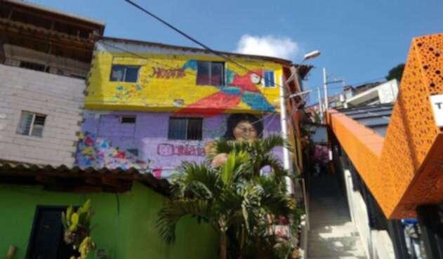 El Graffitour que muestra la otra cara de la Comuna 13 de Medellín.