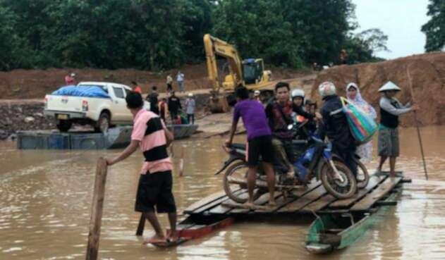 Damnificados por ruptura de represa en Laos