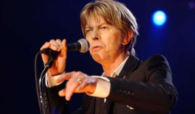 Hallan primera grabación de David Bowie en una cesta de pan