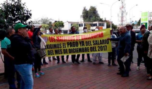 Docentes de Valledupar protestan ante falta de pago