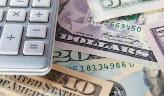 Dólar tocó los $3.300 por incertidumbre en Estados Unidos