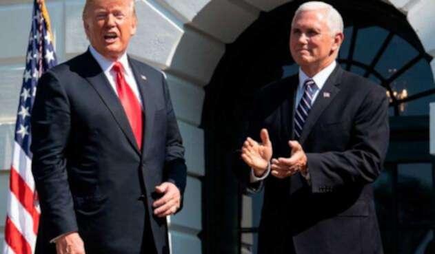 Donald Trump junto a Mike Pence