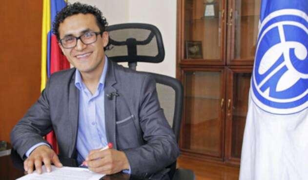 El Consejo directivo de la UPN designo a Fabio Martínez como nuevo rector de dicha institución educativa