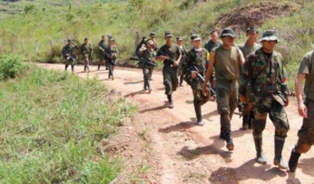 Hombres armados miembros de las Farc