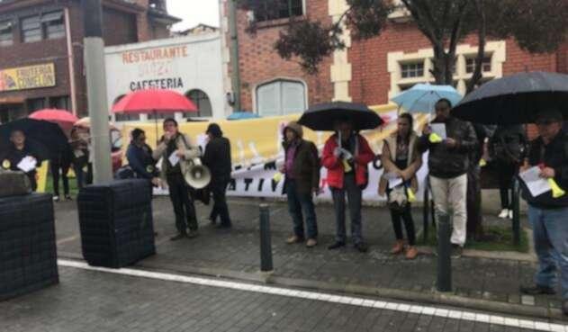 Profesores de Bogotá protestan por privatización de colegios