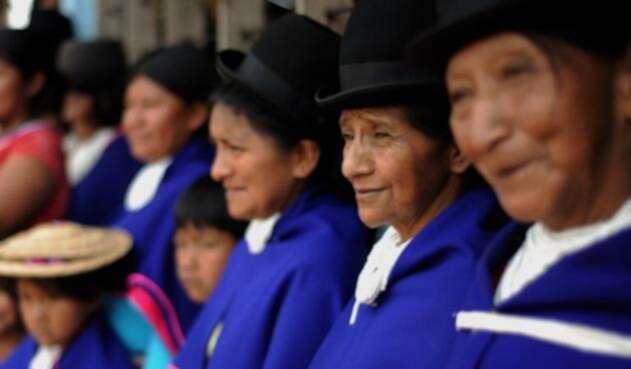 Indigenas colombianos denuncian amenazas.