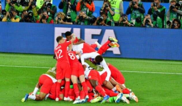 Inglaterra pasó a los cuartos de final tras derrotar a Colombia en los penales