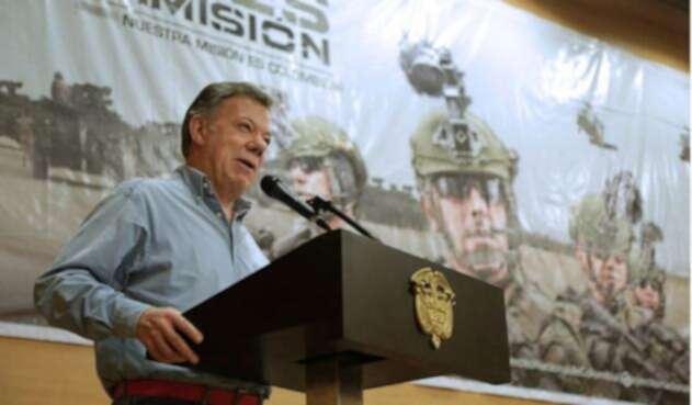 Juan Manuel Santos cese al fuego con el ELN