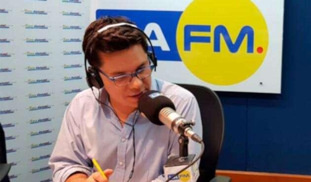 Luis Carlos Vélez, director del noticiero de LA FM