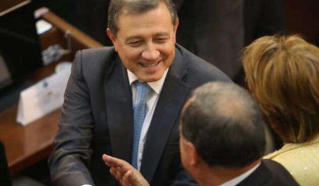 Macías fue elegido como presidente del Senado