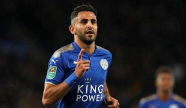 Mahrez firmó por cinco años con el Manchester City