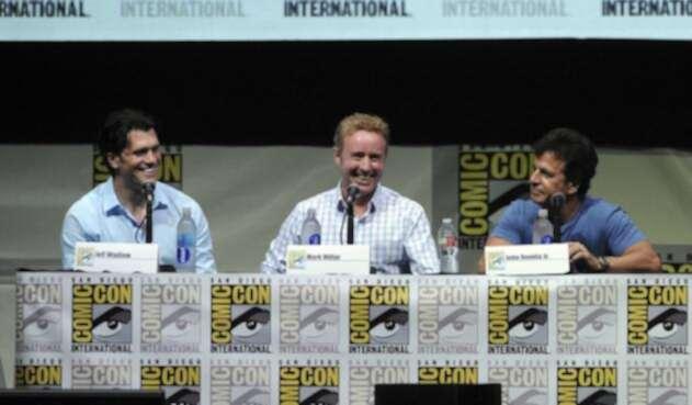 Mark Millar (centro) en Comic Con