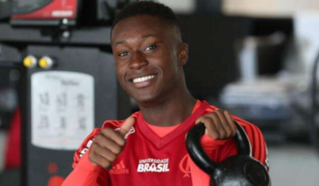 Marlos Moreno entrenando con el Flamengo de Brasil