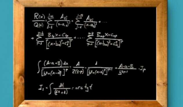 Tablero con ejercicios de matemáticas