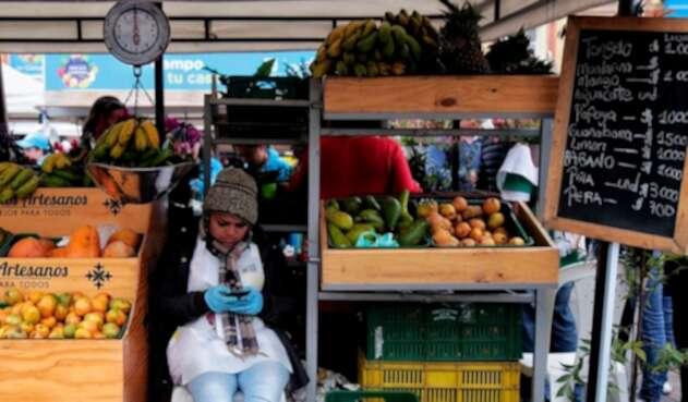En la Plaza de Bolívar de Bogotá se llevó a cabo una nueva versión del mercado campesino, el primero de junio de 2018